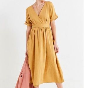 Urban outfitters Gabrielle linen midi wrap dress